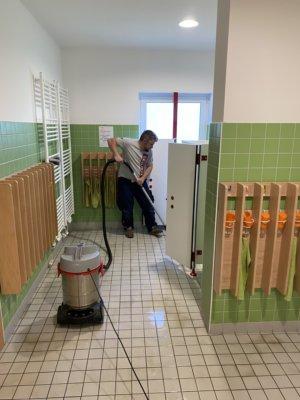 kita-reinigungskraft